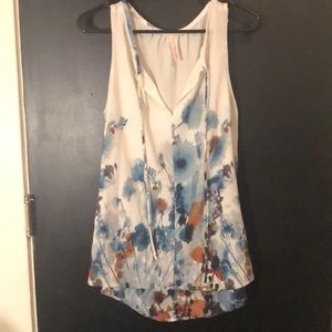 Sleeveless blouse small floral